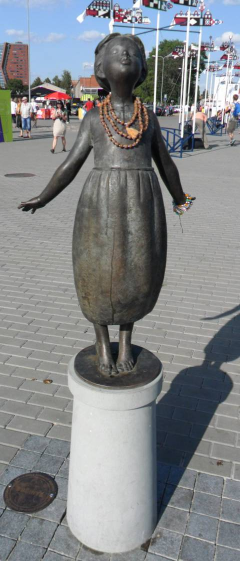 "Sculpture ""Bučinys"" (""Kiss"")"