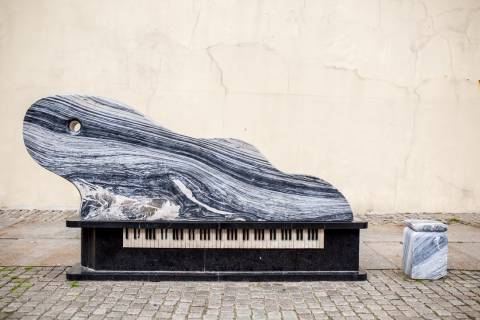 "Sculpture ""Fortepijonas-banga"" (""Piano-wave"")"