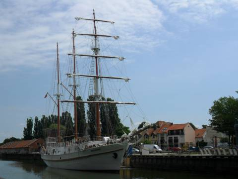 "Sailing ship ""Meridianas"""