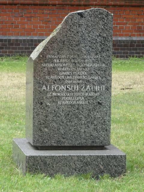 Atminimo akmuo Alfonsui Žaliui