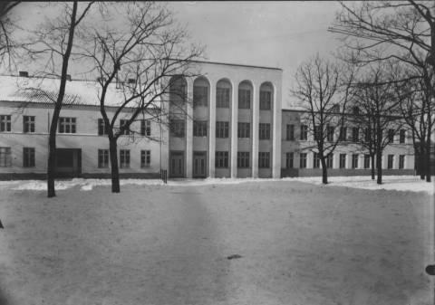 Simono Dacho mokykla Naujojo parko aikštėje
