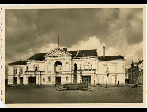 Schauspielhaus (Teatro Str. 2)