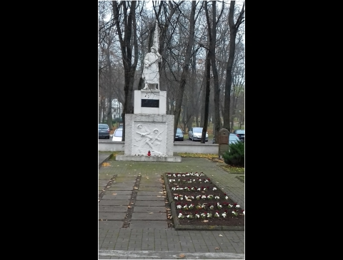 Paminklas Tarybinių karių kapinėse