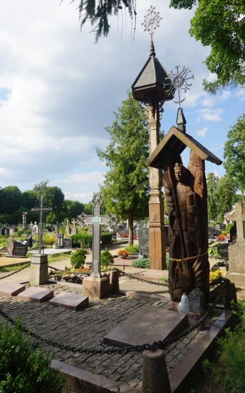 Generolo Vlado Nagevičiaus-Nagiaus kapas