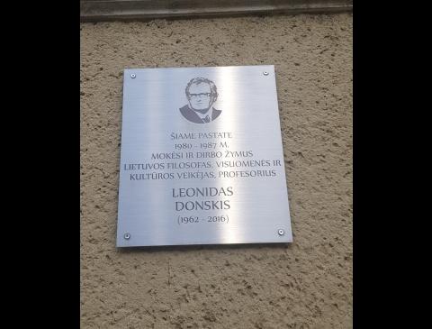 Atminimo lenta Leonidui Donskiui