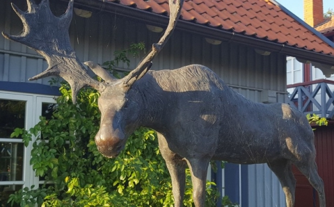 "Decorative sculpture ""The elk of Nida"""