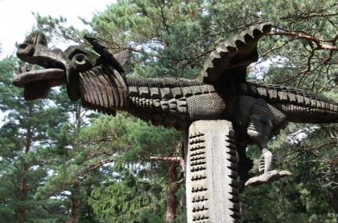 Экспозиция деревянных скульптур