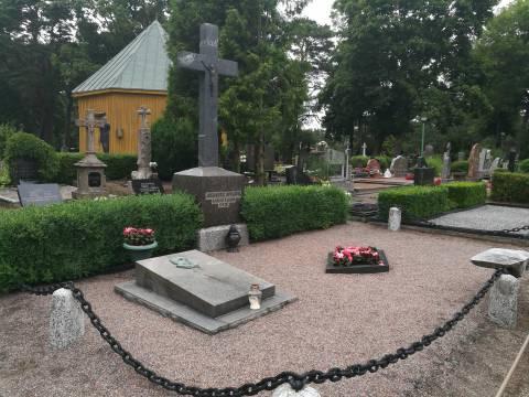 Vlado Jurgučio kapas Palangos miesto senosiose kapinėse