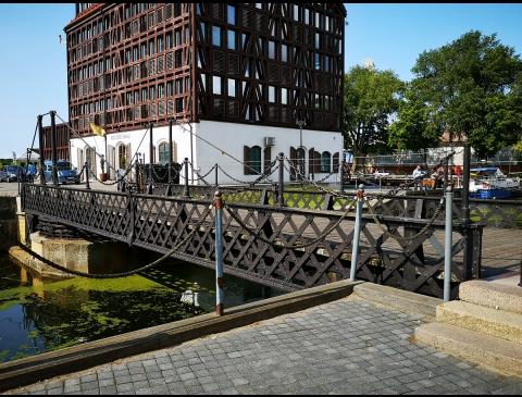 Pasukamas (grandinių) tiltelis