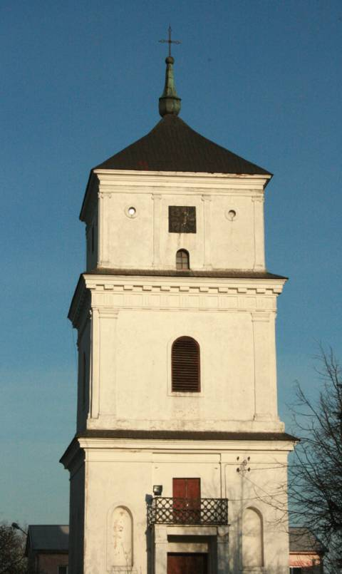 Der Glockenturm der Kirche von Plungė