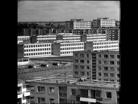 """IV gyvenamasis rajonas ir """"Pempininkų"""" visuomeninis-prekybinis centras"""