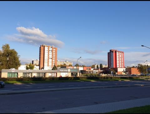 """""""Debreceno"""" visuomeninis-prekybinis centras"""