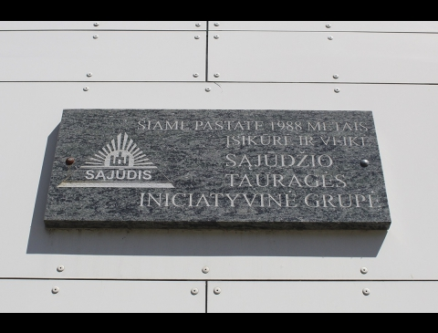 Memorial plate for Lithuanian reform movement, Tauragė department