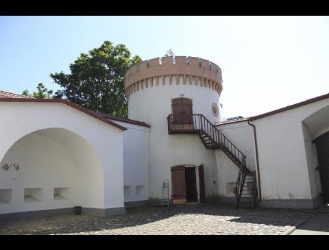 Pilies kiemas ir bokštas