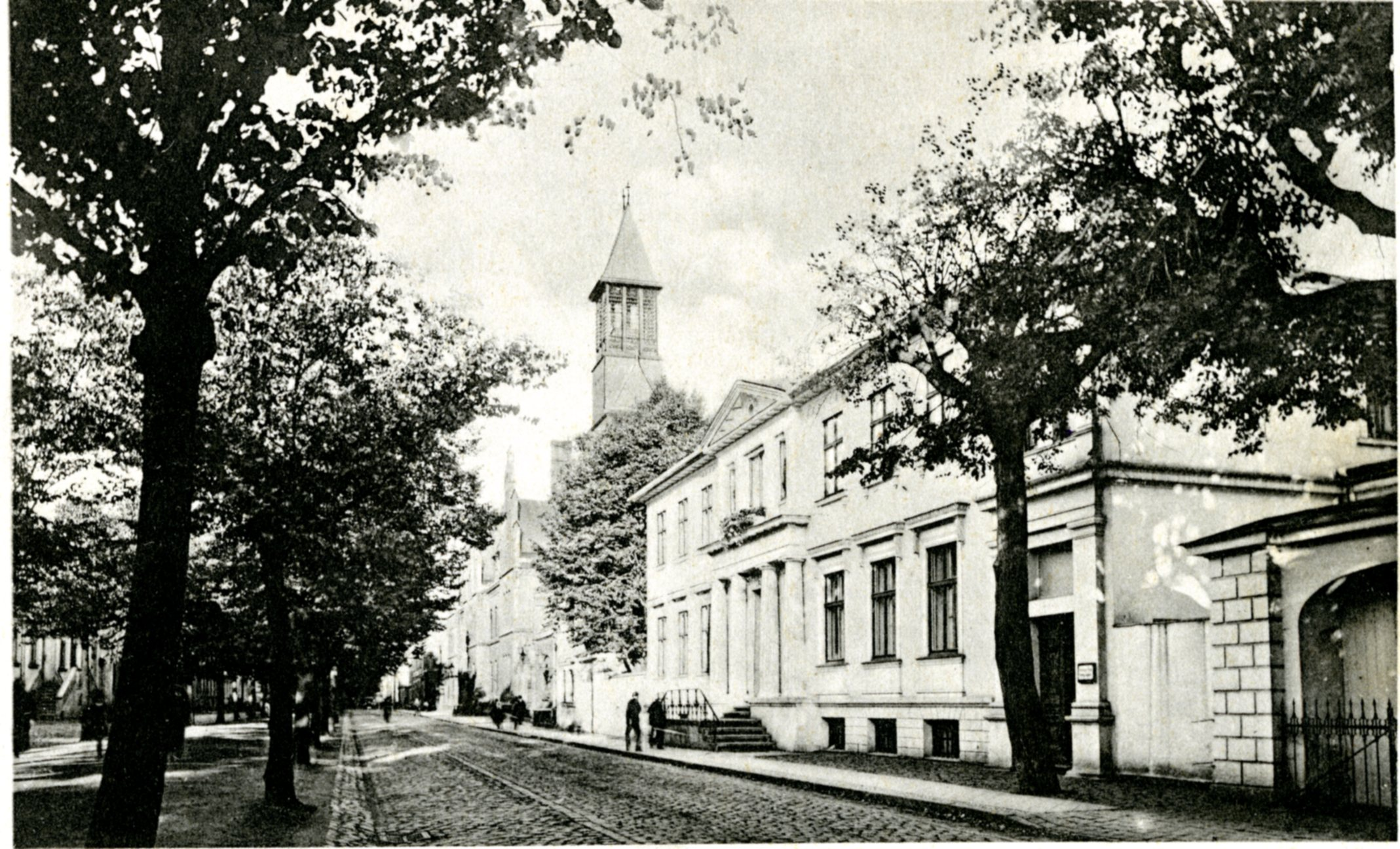 Liepų gatvė ir Laikrodžių muziejaus pastatas