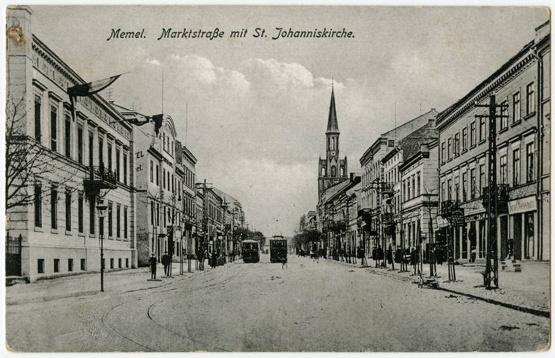 Memel. Marktstrasse mit St. Johanniskirche
