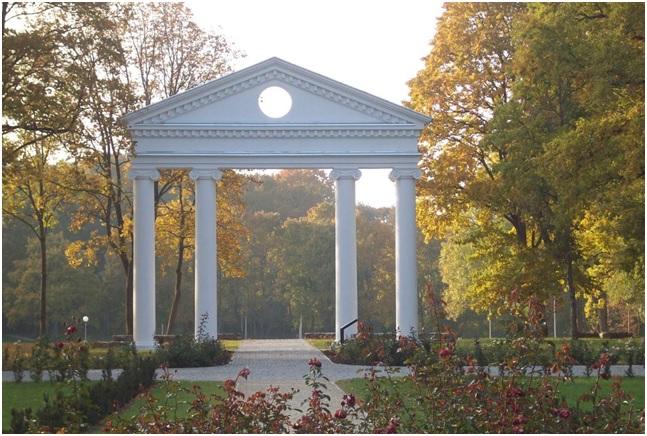Dvaro rūmų kolonos