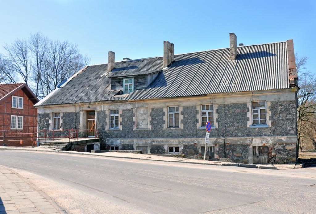 Kretingos dvaro ūkvedžio namo šiaurės rytinė pusė iki restauravimo
